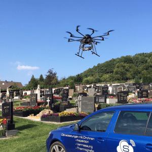 Friedhof-Drohne